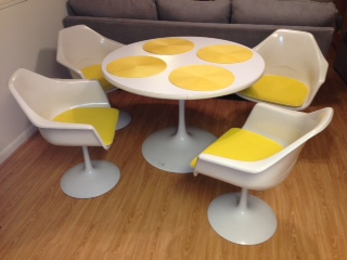 Saarinen Style Tulip Table And Chairs Boise Northender